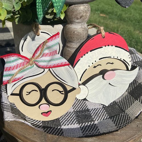 Mr and Mrs Claus ornament set