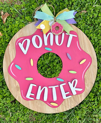 Donut door hanger