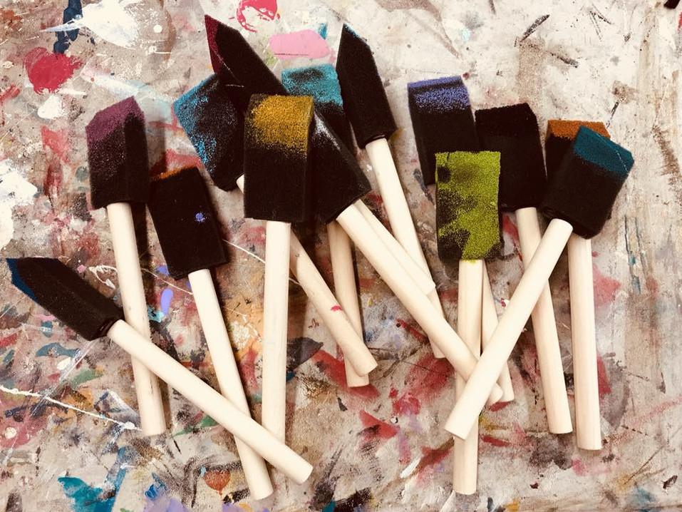 We LOVE Sponge Brushes