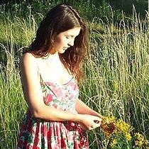 Maya Heidiger.png