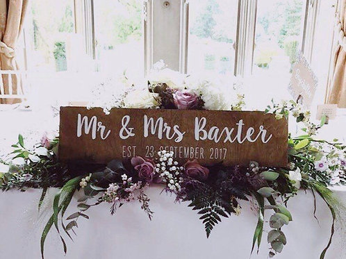 Stained Mr&Mrs main table sign