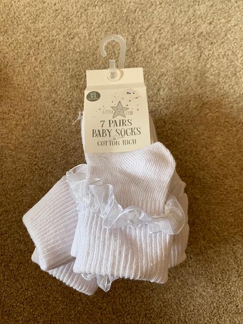 0-3m BNWT White Ruffle Socks (7 pairs)