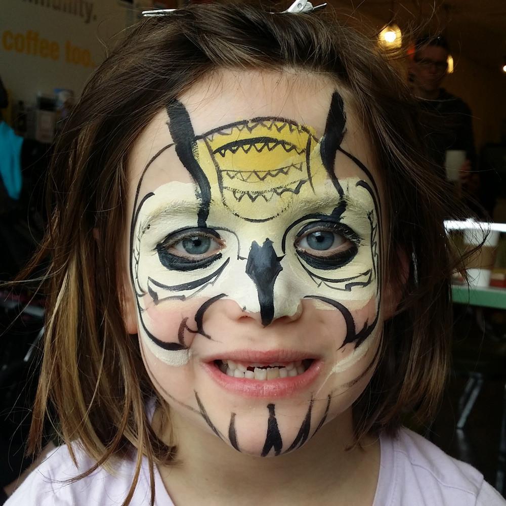 Graphic owl design