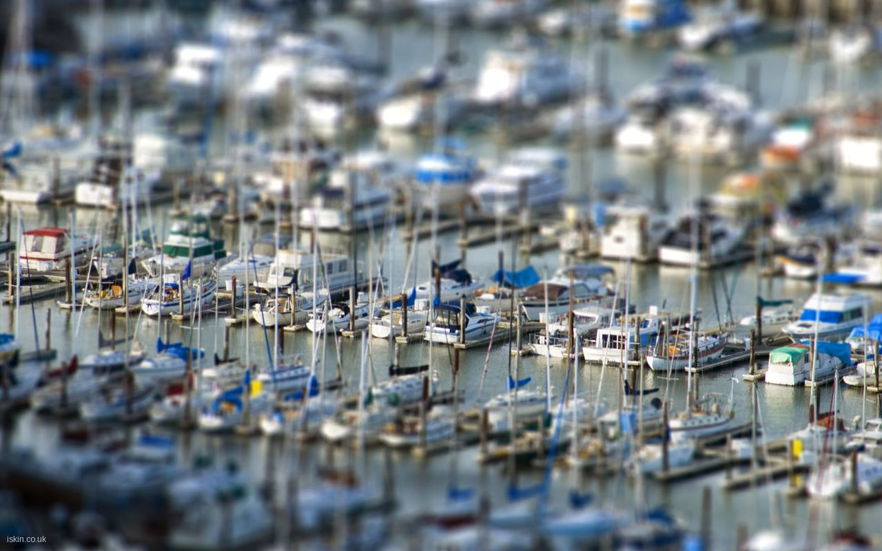 tiltshift_yachts_in_marina_5876
