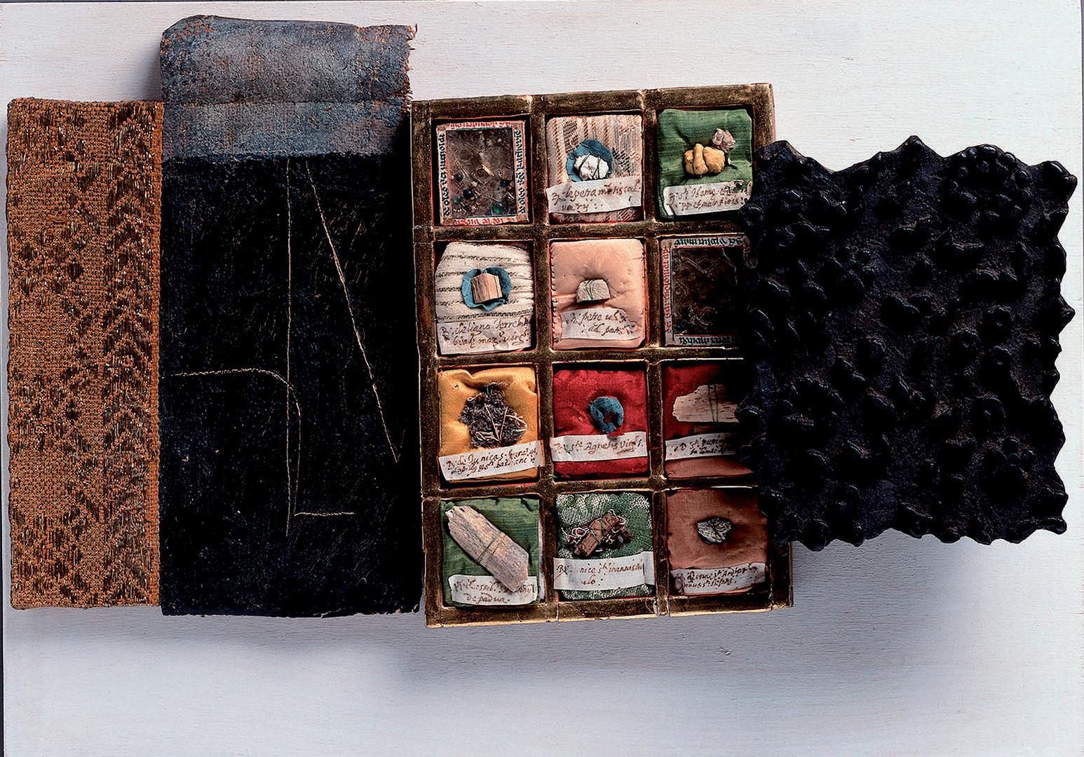 S.T 1994 Collage di ogetti su tavola cm