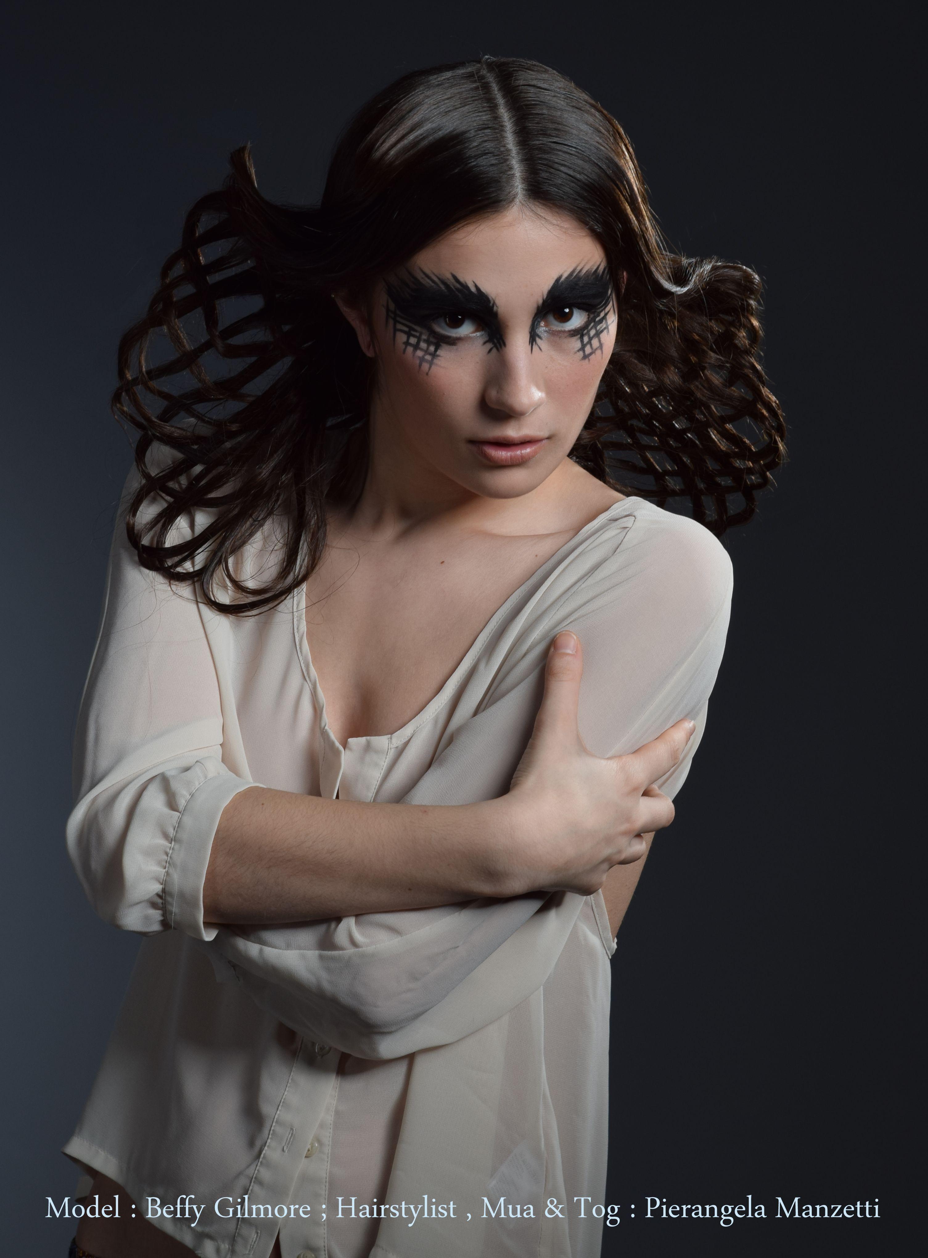 Avant-garde Weave hairstyle 2