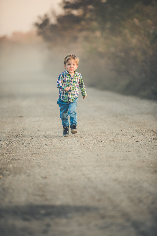 őszi családi fotózás solymáron - futás
