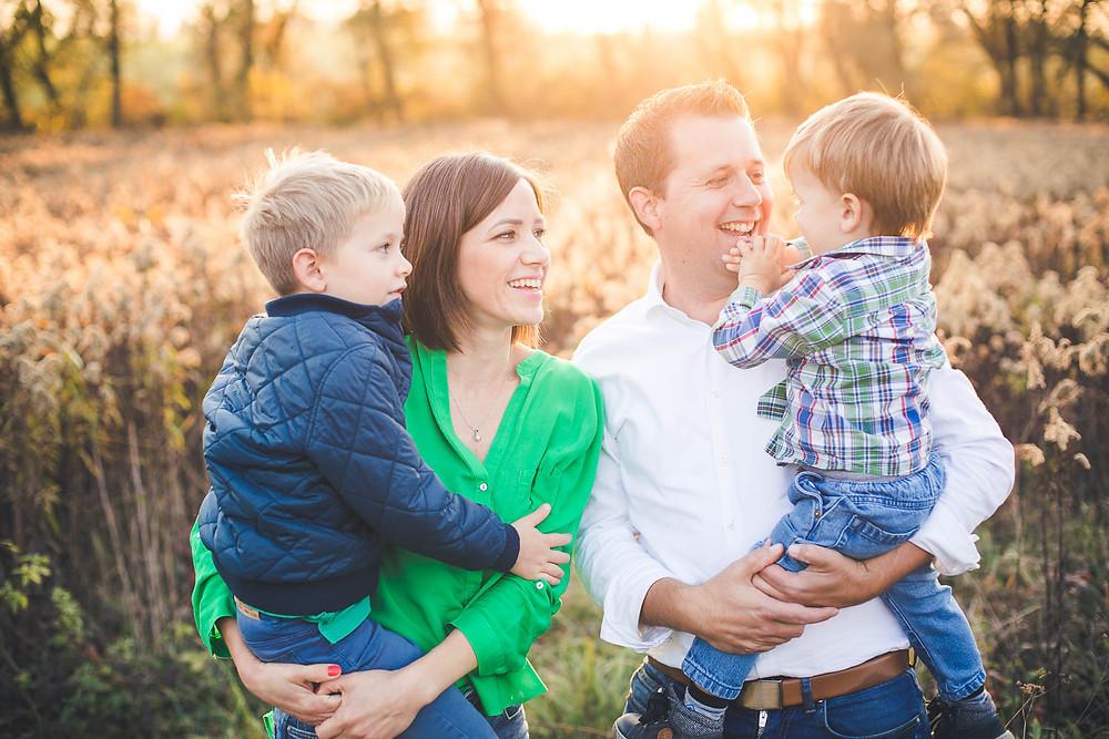 őszi családi fotózás solymáron - családi képek