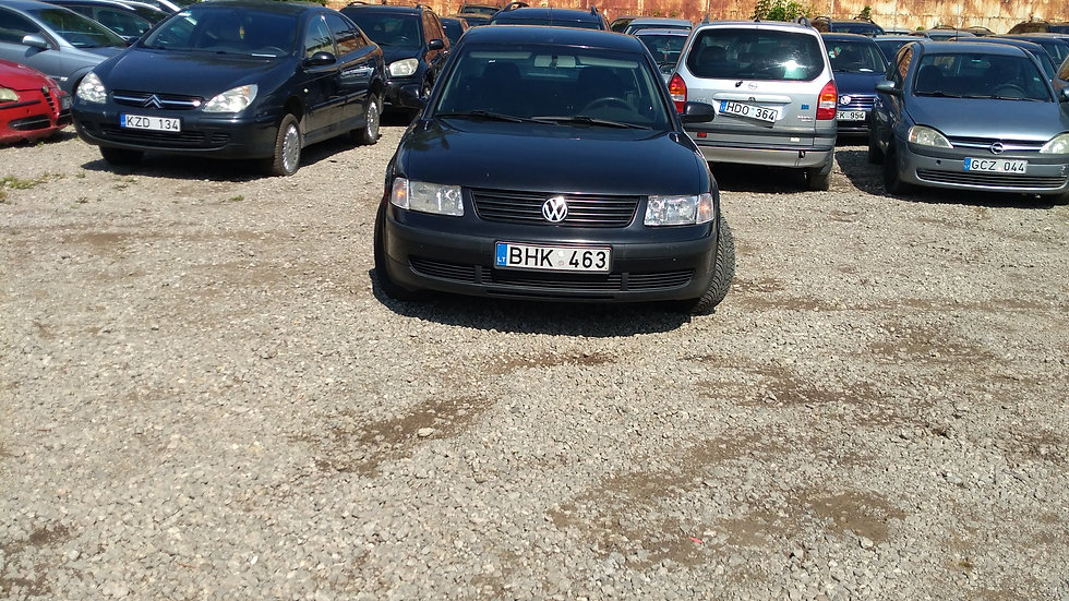 VW PASSAT V/N BHK463 2000M. KURAS DYZELINAS. DUOMENYS NENUSTATYTI.