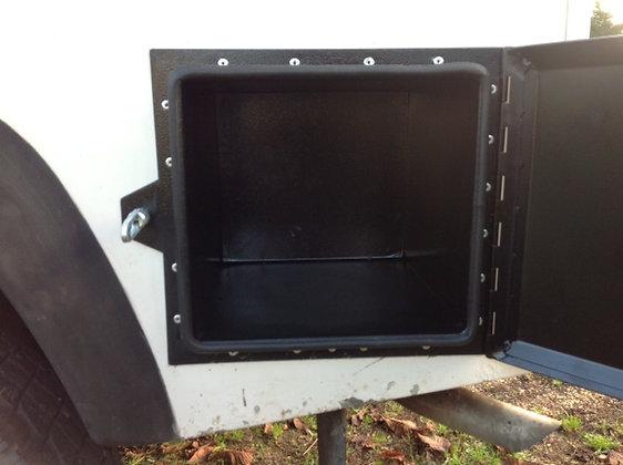 'Rhino' Rear Wing Locker