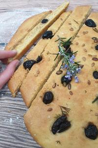 focaccia aux olives noires