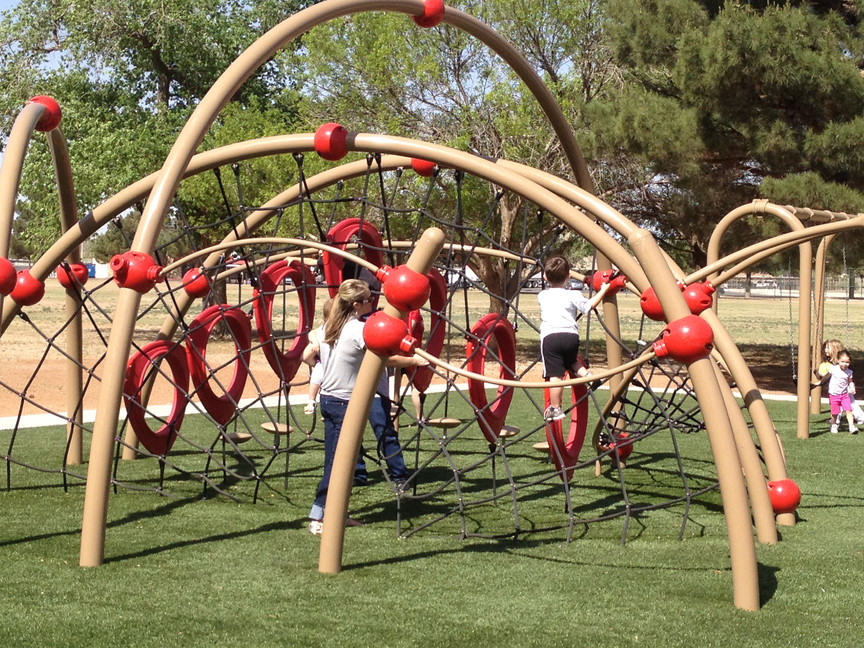 Barrier-Free Play Structure