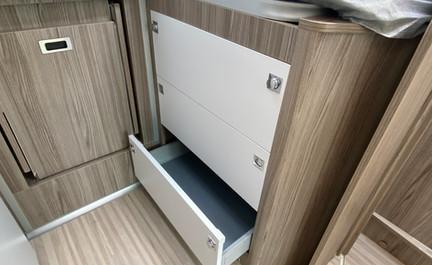463 Under bed storage