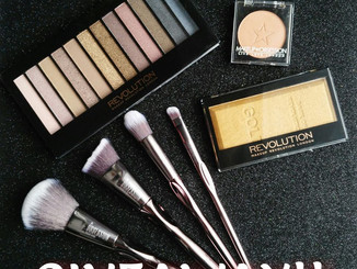Giveaway: Makeup Revolution Beauty Bundle
