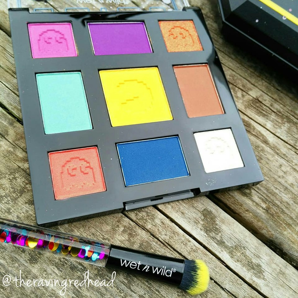 Pac-Man Game Over Colour Palette and Eyeshadow Brush