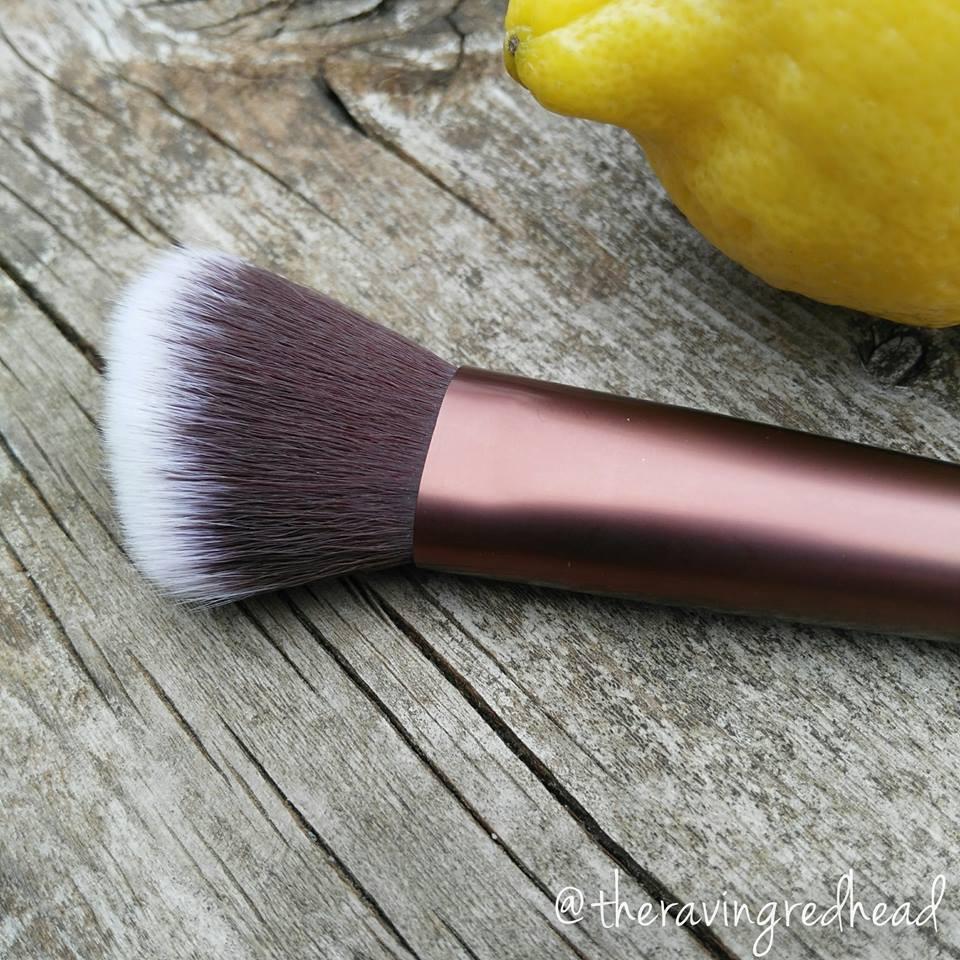 Firma Beauty 103 Angled Contour Brush