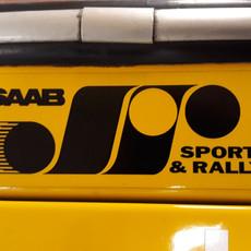 SAAB Sport og Rally-mærkat under bagrude.