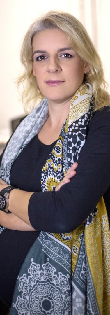 Sandra Caldas Administradora