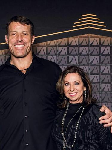 Tony Robbins & Victoria