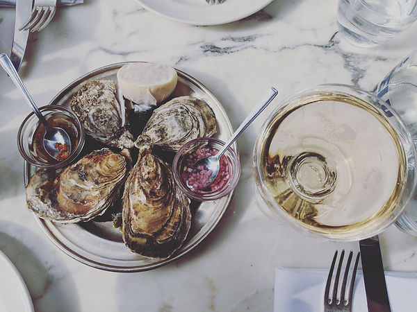 A Weekend in West Cork | Oysters in Quinlans.