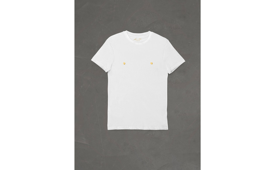 Corrado Levi, T-shirt capezzoli d'oro, 1983-2021, fabric, gold leaf, ed.100