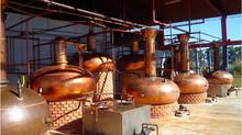 A importância de equipamentos de qualidade na produção de cachaças artesanais.