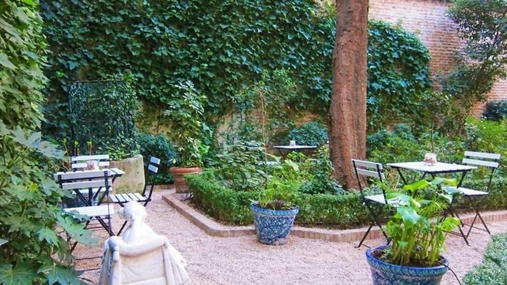 Cafe del Jardin del Museo del Romant