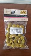 zöld oliva mandulával.jpg