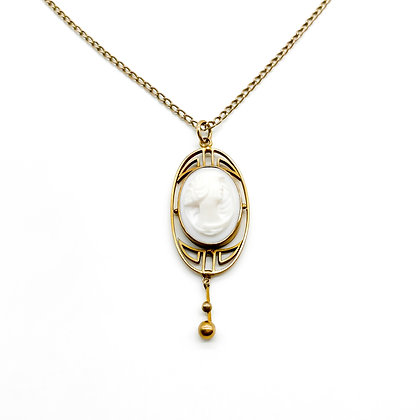 9ct Gold Cameo Pendant on Chain
