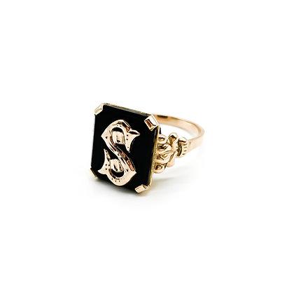 """Vintage 9ct Rose Gold Onyx Letter """"S"""" Signet Ring"""