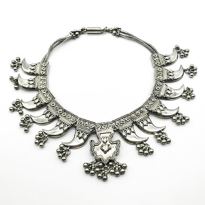 Antique Silver Ornate Claw Necklace