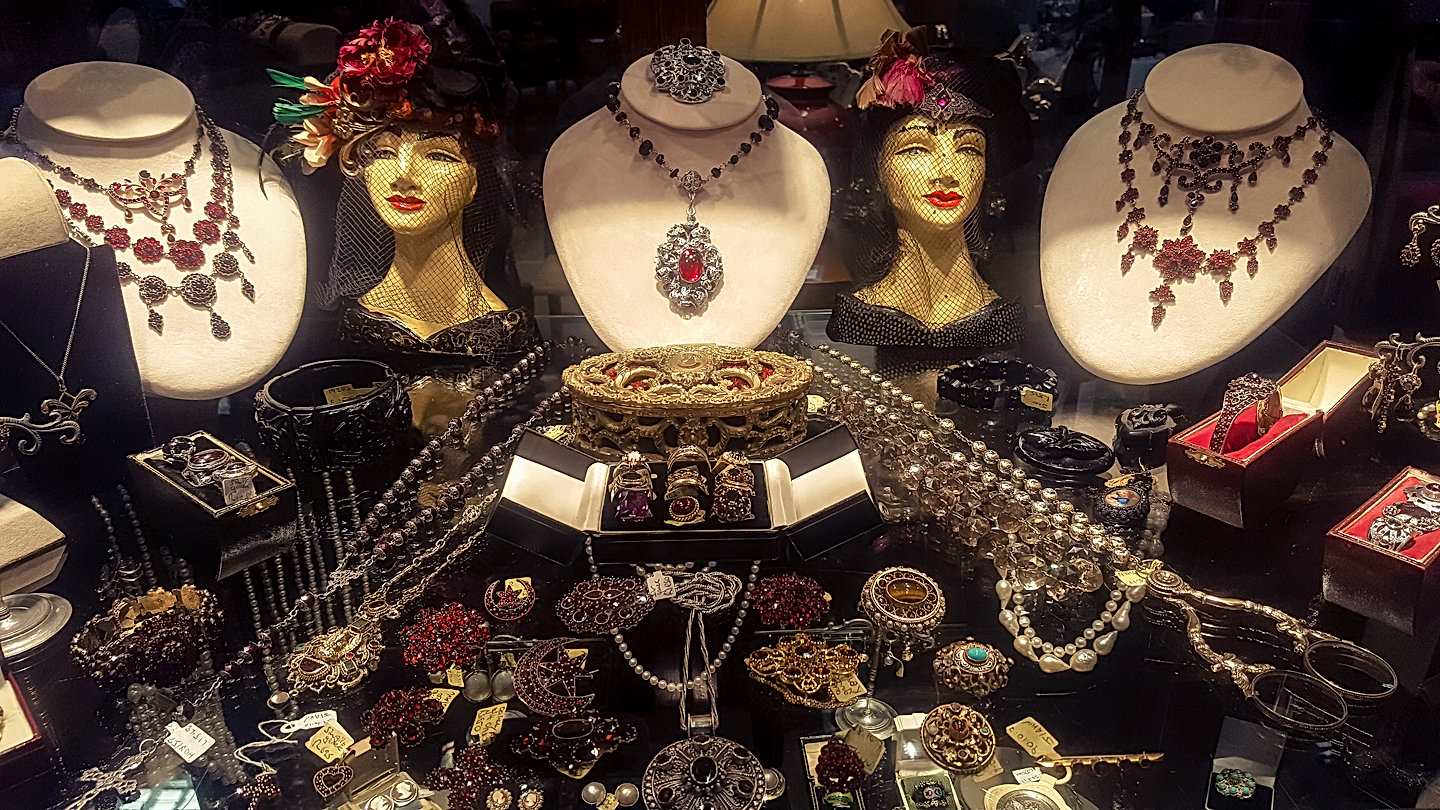 Paisley's Antique Jewellery.jpg