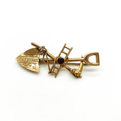 9ct Gold Victorian Transvaal Miner's Brooch set with Garnet