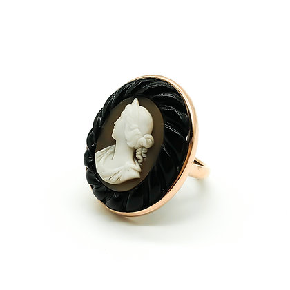 9ct Rose Gold Ring with Victorian Cameo in Jet Frame (Sold)