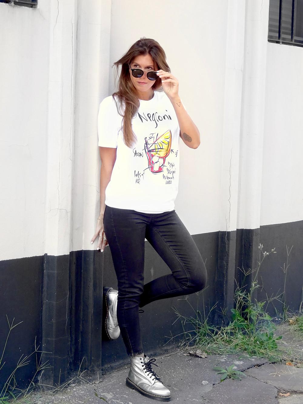 t-shirt con scritte cocktail Negroni