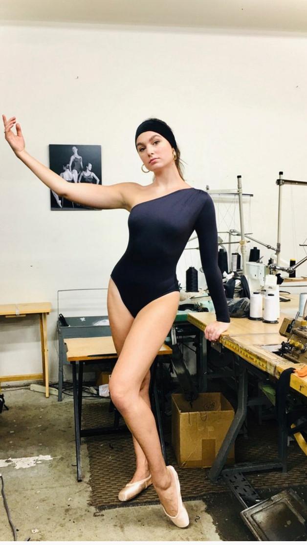 Izabel Leotard