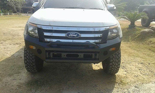 Ford Ranger Bull Bar Sahara Style with light