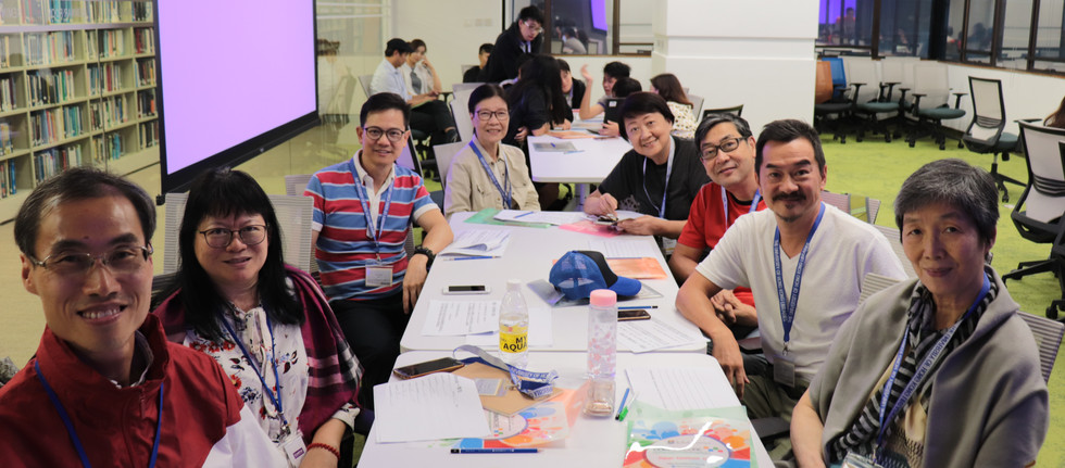 """[Cross-generation collaboration] Senior Champions meeting HKU students and secondary school students for the first time at """"Intergenerational Participatory Co-design Project"""", a project collaborating with HKU common core, HKU libraries and HKU Faculty of Education(September27th, 2019)"""