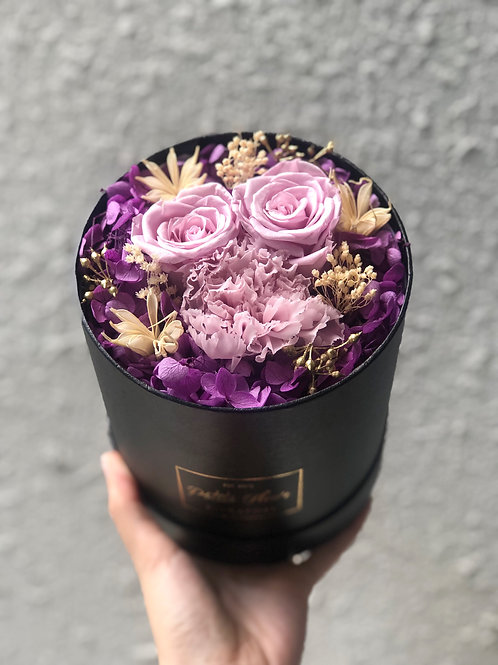Timeless Blooms - Round box