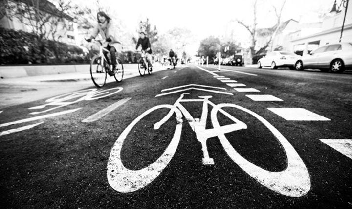 Rio_Grande_Green_Lane_bike_symbol_female