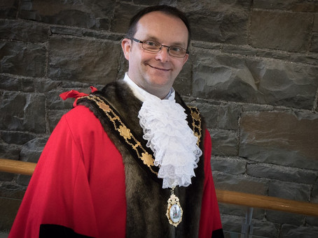 Mayor pays tribute to Cllr Paul Hamill (46) who 'sadly lost his battle with Covid'