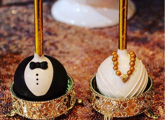 BRIDE AND GROOM CAKE POP CLASS