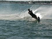 alquiler y cursos de esqui y wake en el rompido huelva