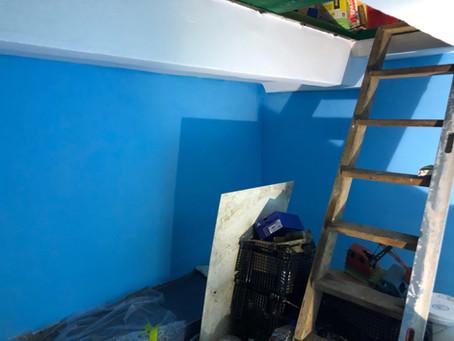 Чем покрасить стены в подвале и как это правильно сделать?