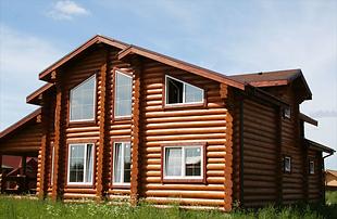 Лаки красим деревянный дом