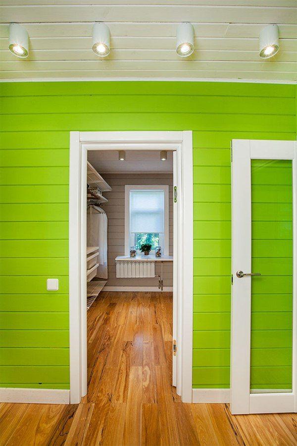 покрашенная комната из вагонки резиновой краской супер декор  в салатовый цвет