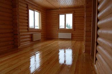 покрашенная комната лаком по дереву