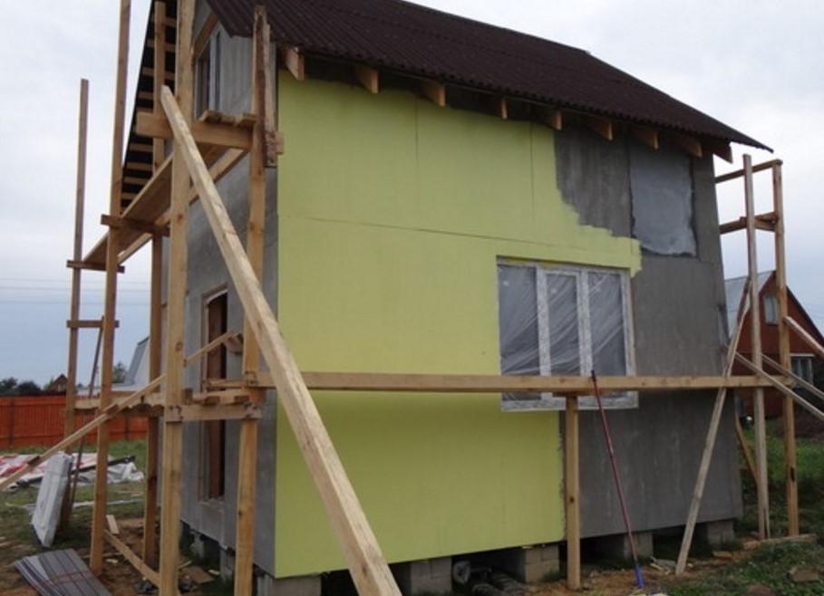 этапы покраски дома из асбеста