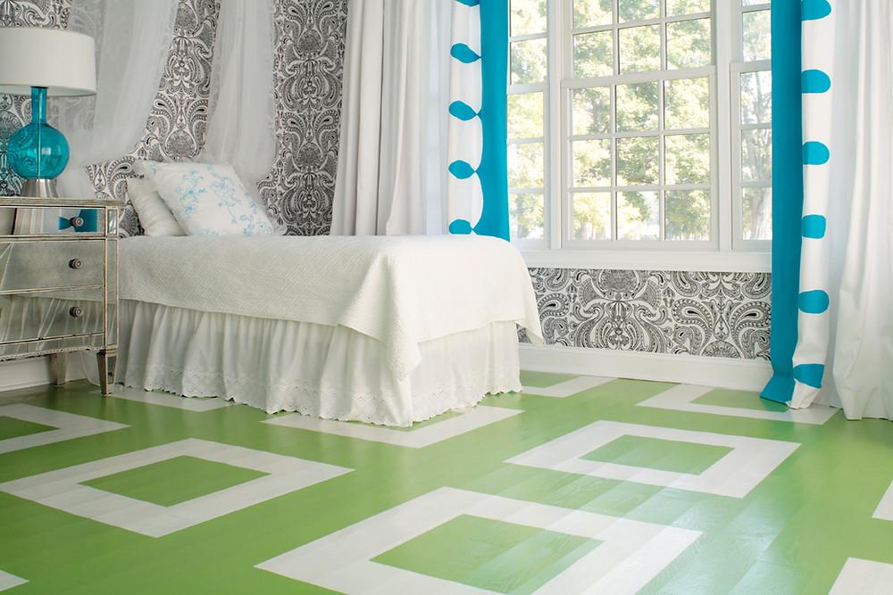 крашенный деревянный пол резиновой краской в зеленый цвет