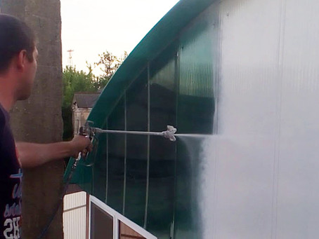 Резиновая краска для поликарбоната